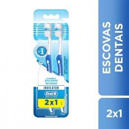 Escova de Dente Oral-B Indicator Plus N°30 com 2 unidades