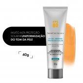 Protetor Solar Facial UV Oil Defense com Cor FPS80